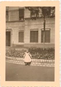 Vor den Häusern 10/3 und 10/6 war in den 30er Jahren ein Blumenrondell angelegt. © Walter Bläsing